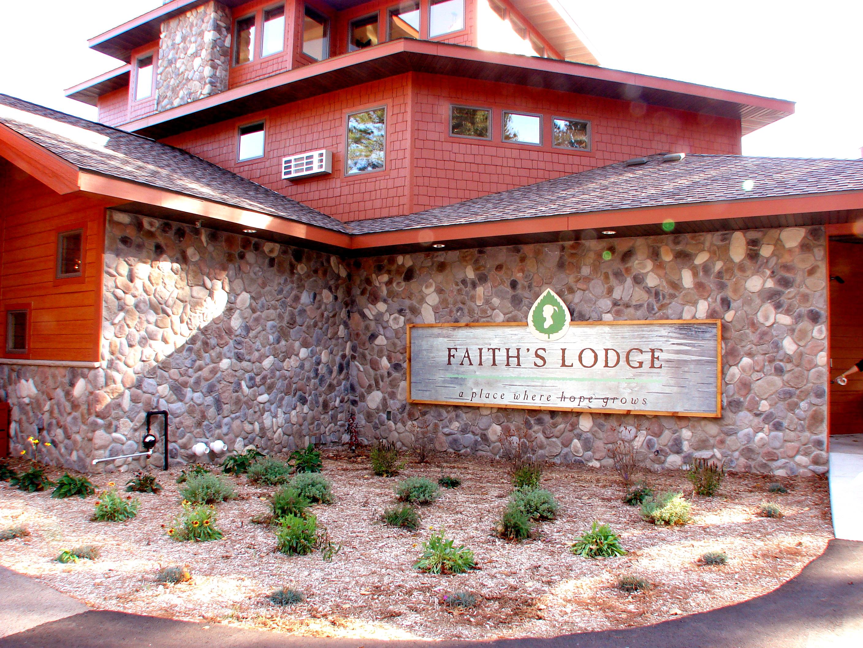 Q Stone Inc Lake Country Split Rock