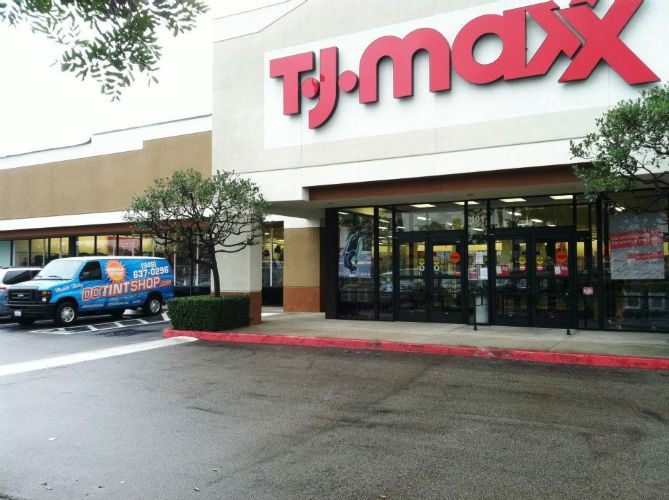 TJ Maxx Tucson AZ locations, hours, phone number, map and driving directions.