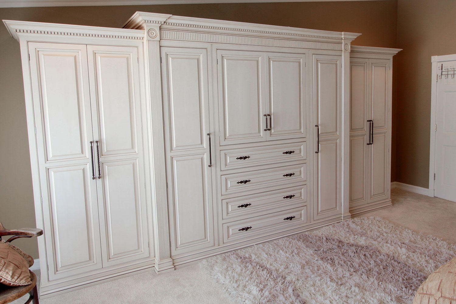 Custom Closet - Trade Custom Cabinets