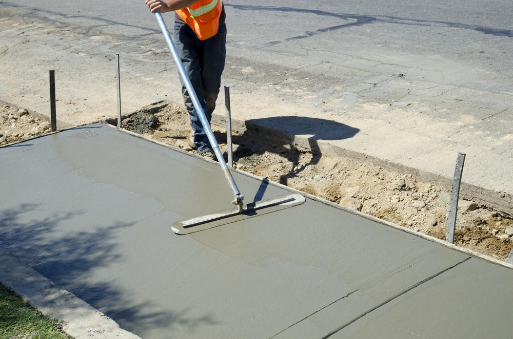 Как сделать цементную стяжку на асфальте