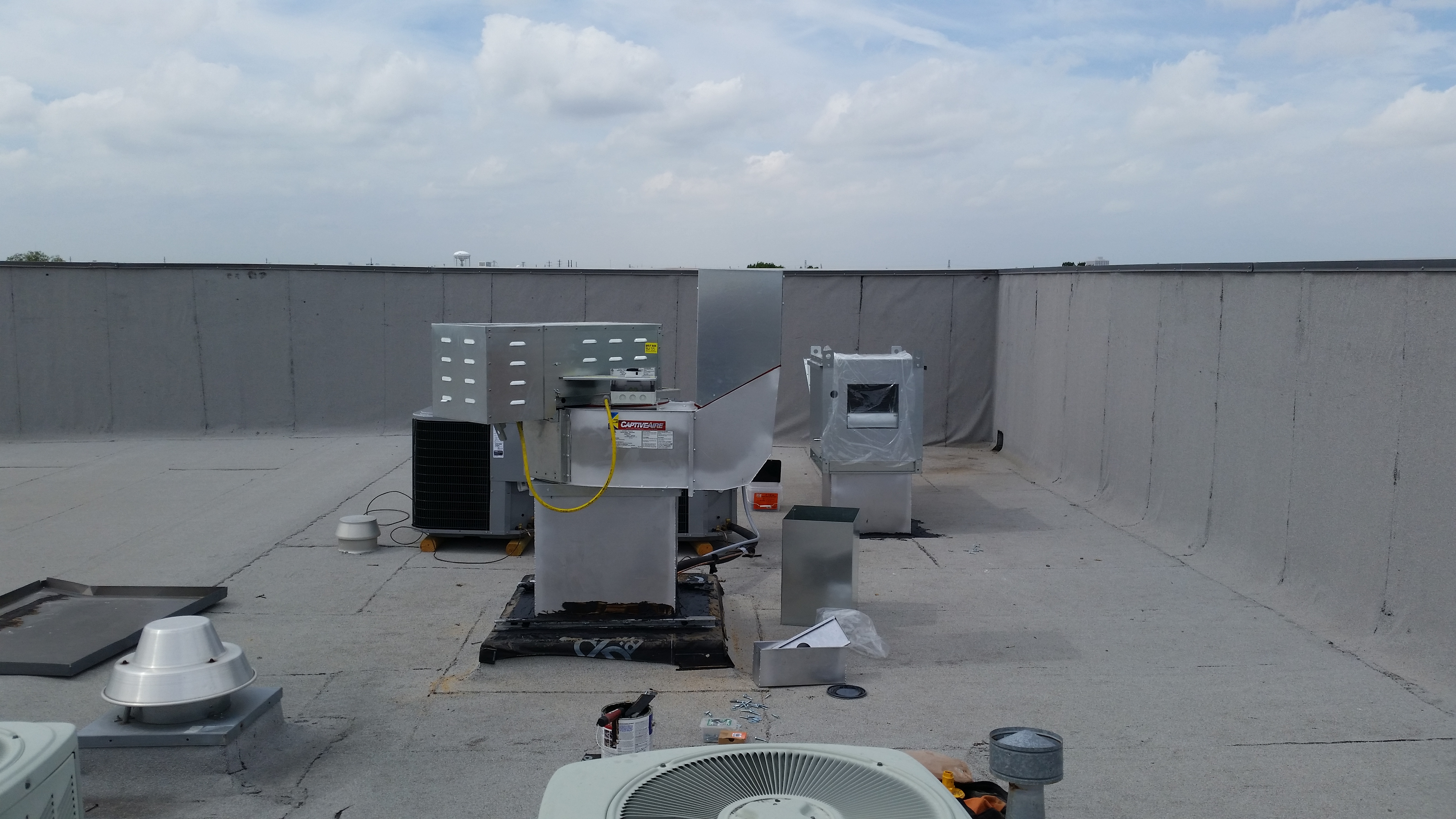 Vent Tech Commercial Hoods - 3 phase exhaust and MUA fan Image | ProView