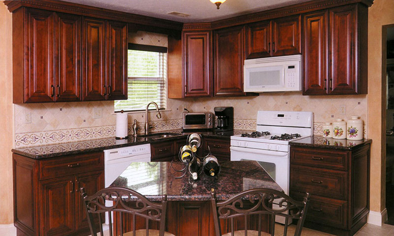 J Amp K Cabinetry Mahogany Maple Glazed Cabinets Image Proview