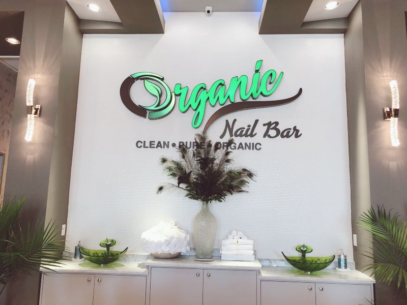 Organic Salon Entry