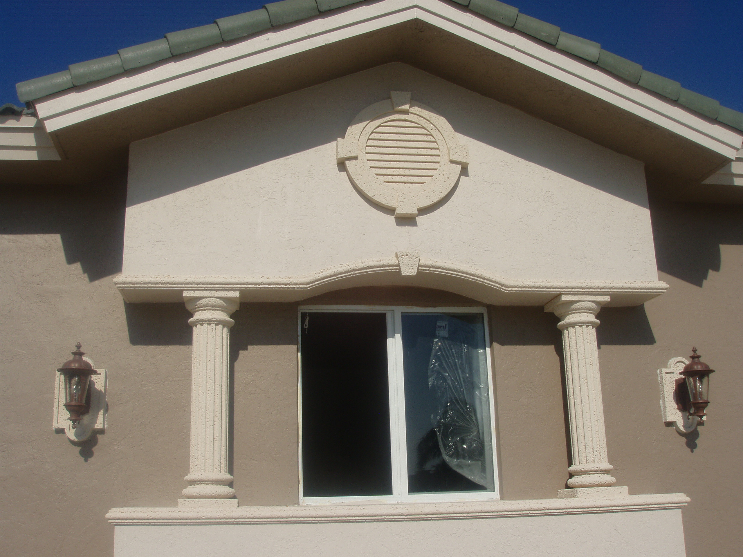 Exterior medallions for stucco architectural foam shapes house exterior decorations imanada for Architectural medallions exterior