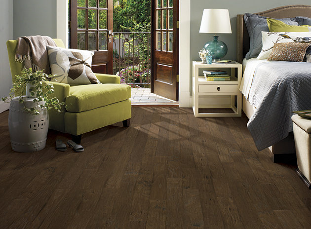 Wood & Laminate - Flooring Discounters