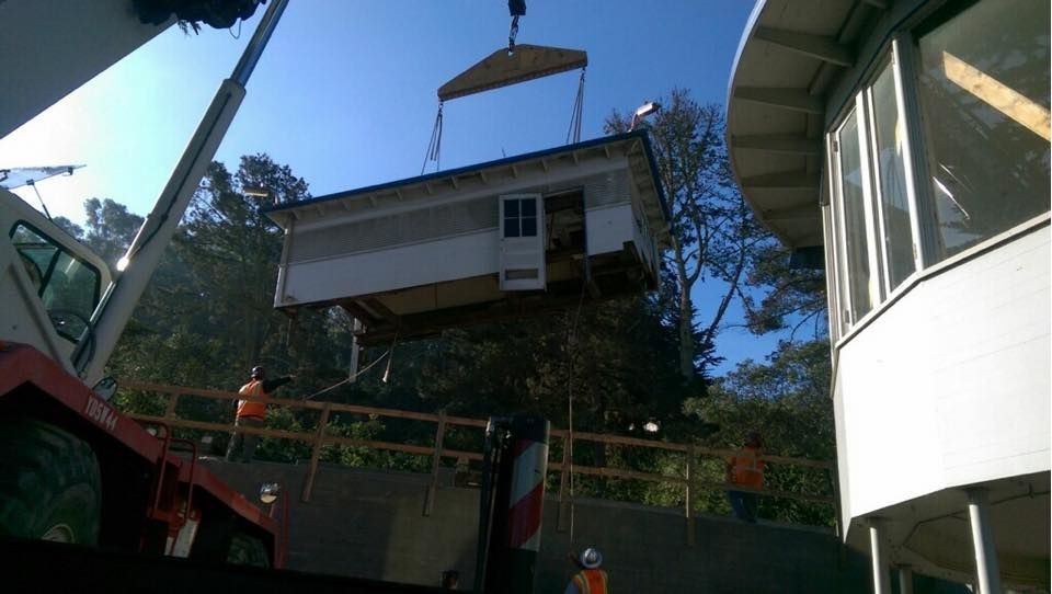 Final piece of Adm Nimitz historic structure on Yerba Buena Island - Trost Jacking & Heavy Moving, Inc.