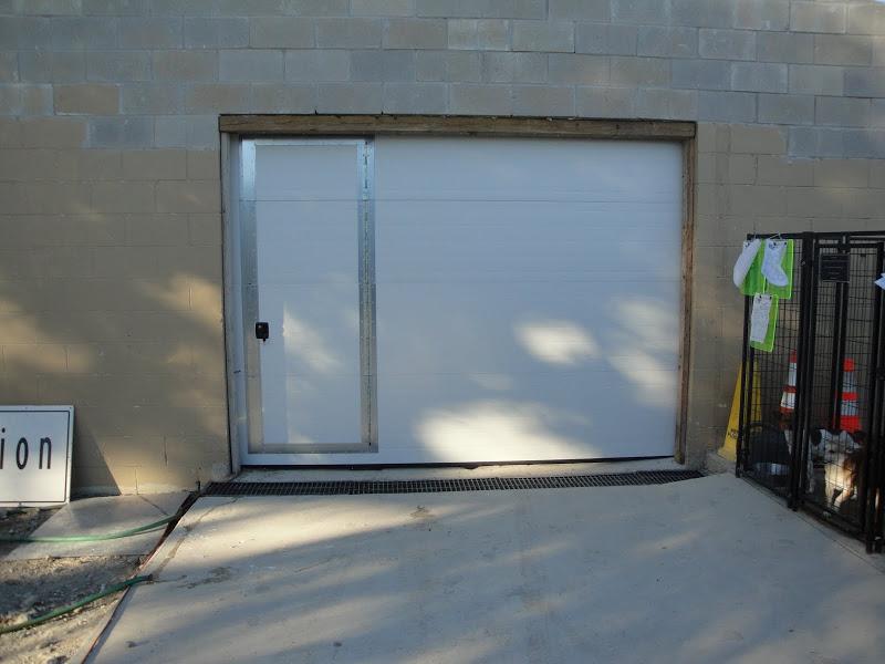 Garage Door With Man In It Wageuzi