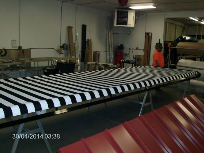 Painted Vertical Striped Awning Photo 1 - Awning Matrix
