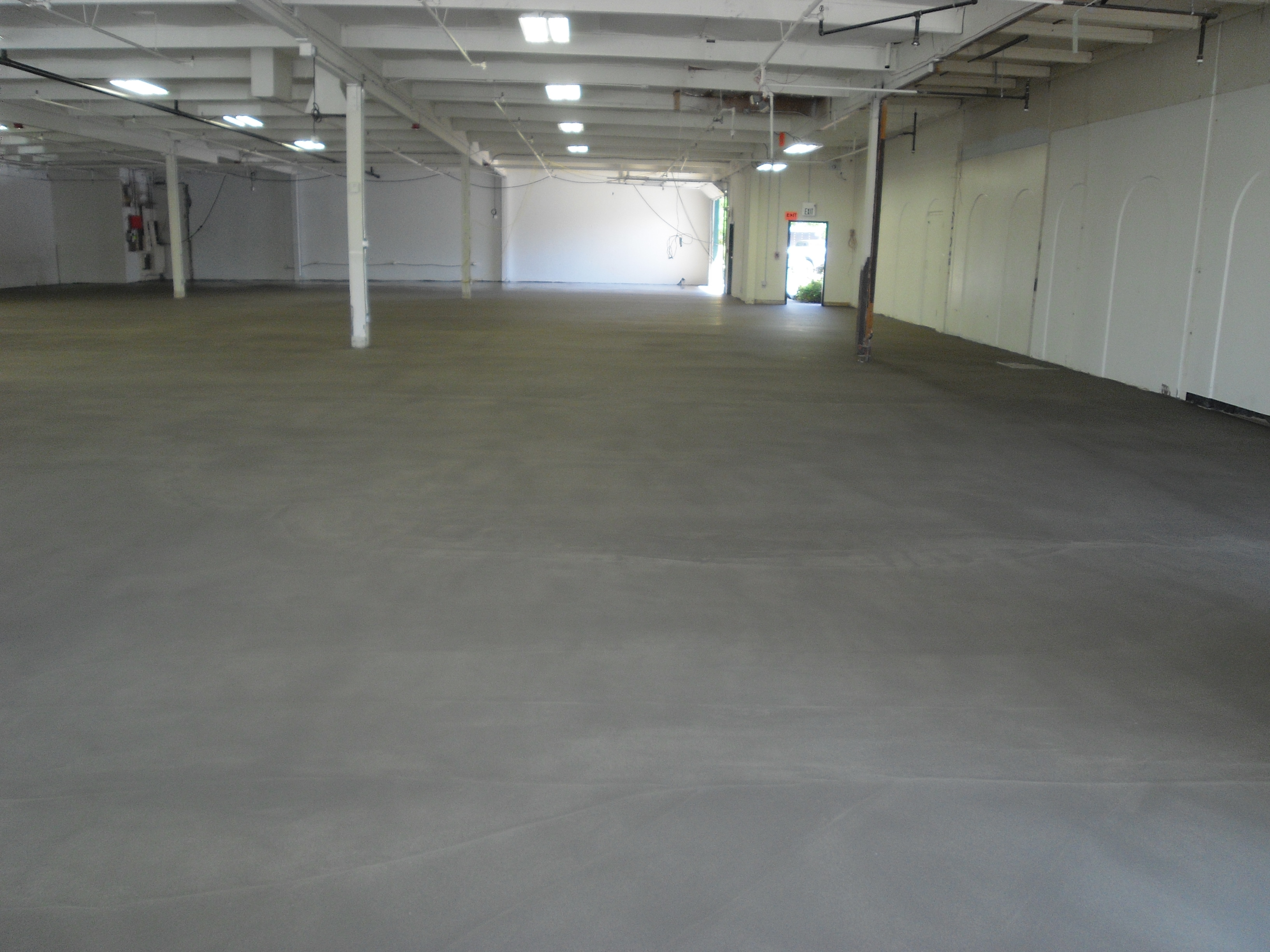 Floor Solutions LLC SelfLeveling Concrete Images ProView - Self leveling concrete as a finished floor