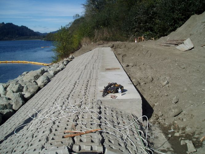 Klamath Boat Ramp Repairs- Articulated Concrete Block Mats  - Basalite Concrete Products, LLC Div. of Pacific Coast Building Products