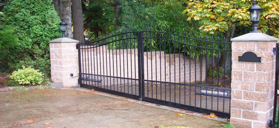 Automatic Iron Gates - Capitol Fence Builders & Supply