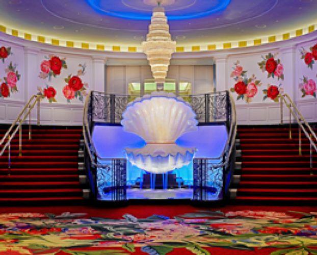 Greenbrier casino slots shannon elizabeth poker winnings