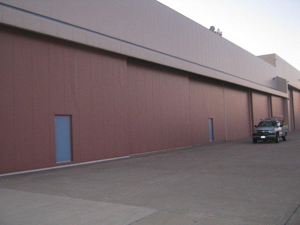 hangar-door & Vortex Industries Inc. - hangar-door Image | ProView