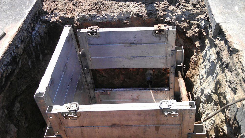Securing launching pit for safe insertion. - TrenchFree Inc.