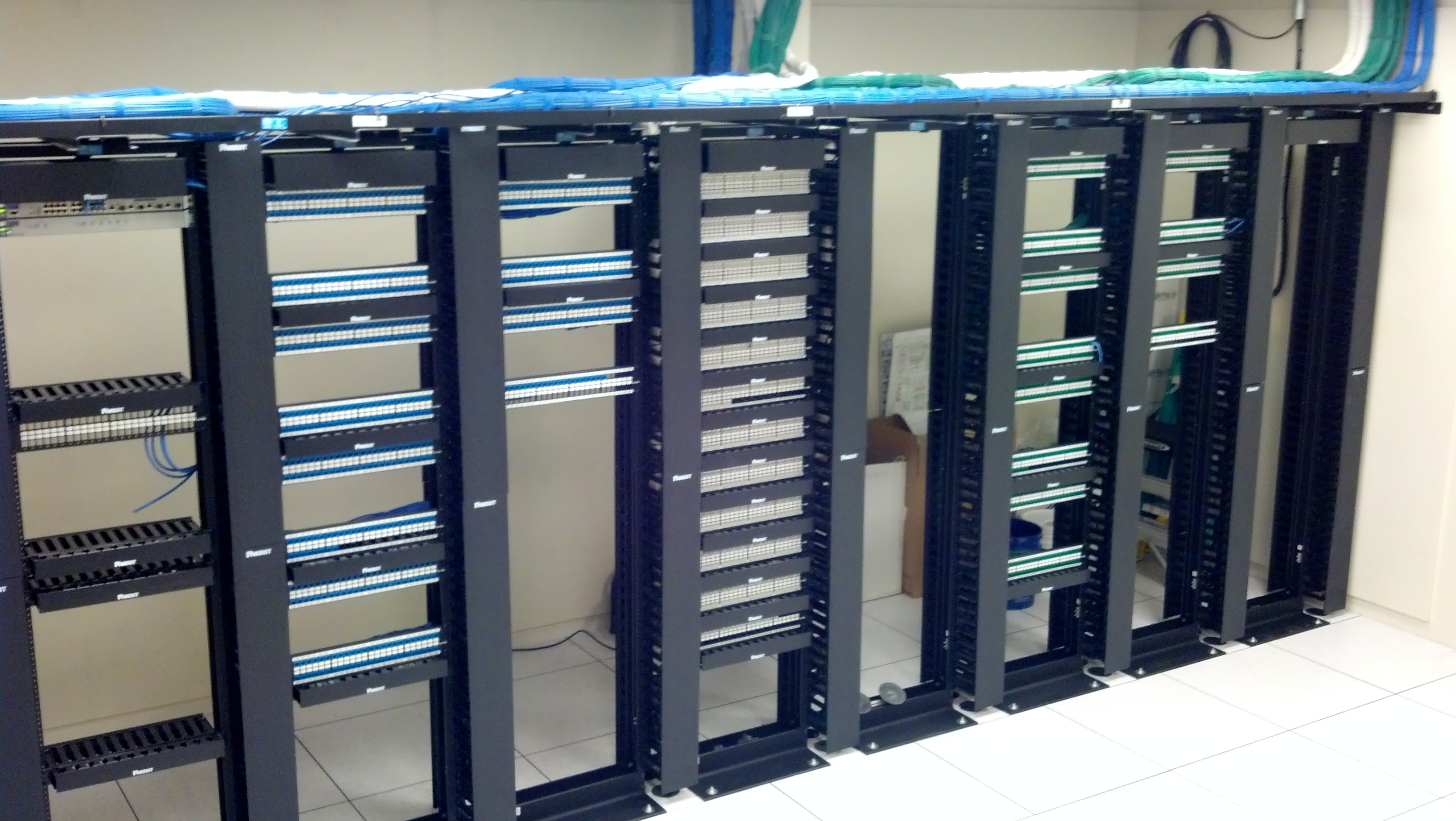 Creative Voice Amp Data Networks Inc Server Mdf Room