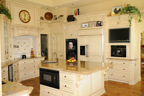 Kitchen 3 - Interior & Exterior Designs Inc.