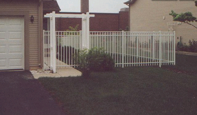 Aluminum Fence - Fence Connection, Inc.