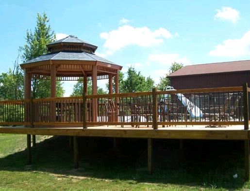 Wood Fence - Adrian Fence Company Inc.