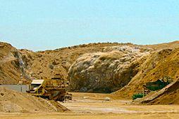 D&B Mines & Quarries - ECM-Earth, Construction & Mining