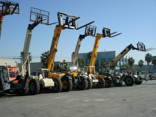 Telescopic Reach Forklifts - Total Equipment Rental, Inc.