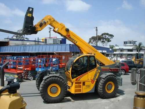 Dieci 35k Telescopic Reach Forklift  - Total Equipment Rental, Inc.