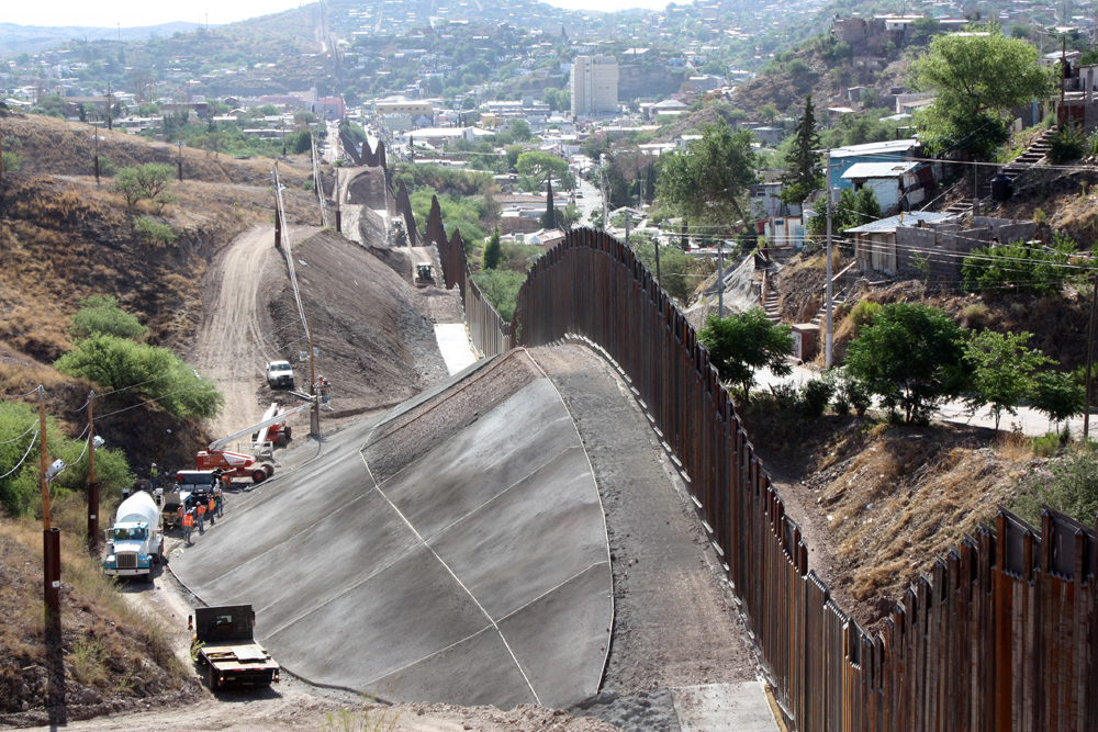 Border Fence Project  - CALPORTLAND