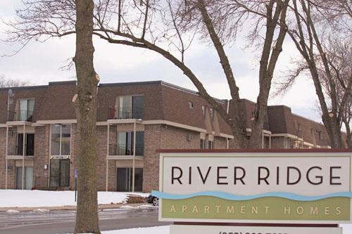 River Ridge Apartments - Dorglass, Inc.